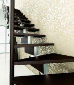 Myślisz nad schodami do domu? Zapoznaj się z rodzajami drewna, jakie można użyć do ich budowy
