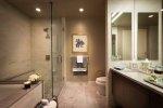 Co zrobić, aby malutka łazienka była większa