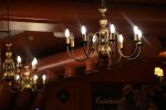 Wybór dobrego oświetlenia w naszym mieszkaniu może czasem sprawiać problem. Praktycznym rozwiązaniem może być przełącznik schodowy lub ściemniacze