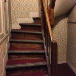 Atrakcyjne schody z drewna w każdym domu.