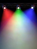 Oswietlenie przemyslowe led oferuje sporo światła